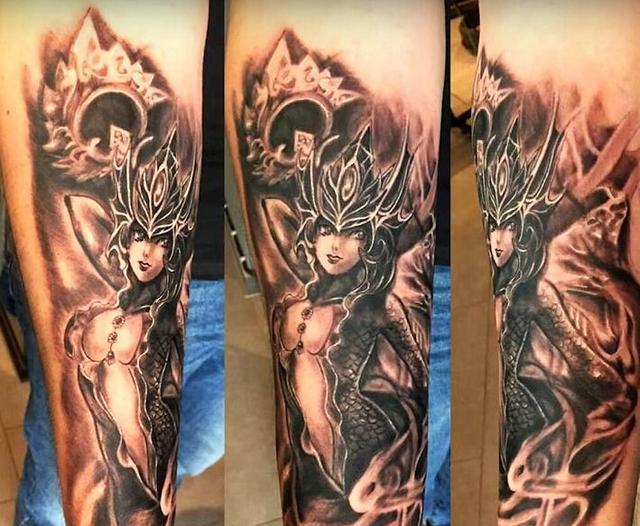 lol英雄联盟狂热玩家的炫酷纹身!图片