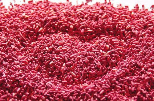 长出白毛和粉色斑点的米饭,竟是降胆固醇的法宝