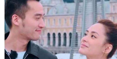 阿娇举行婚礼,赖弘国到底有多爱她?订婚时趴在她肩上大哭