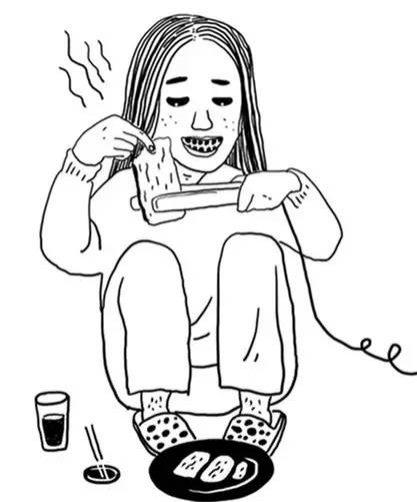 用饮水机吃火锅的姑娘 这次竟针织泡面